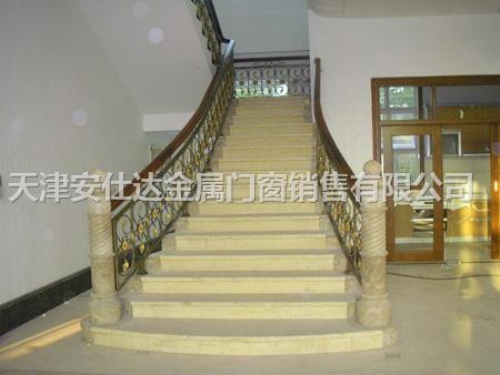 家用铁艺楼梯