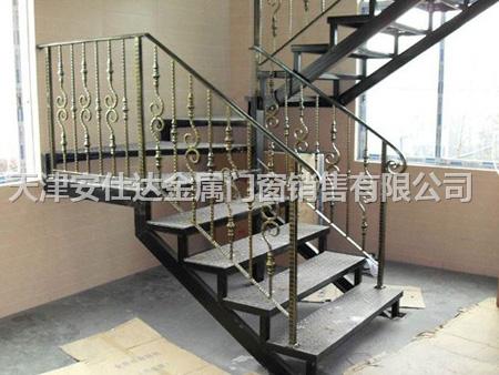 手工锻造铁艺楼梯