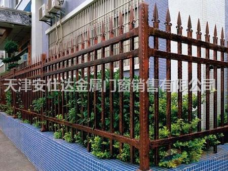 小区围墙铁艺护栏